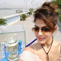 VIVO IPL 2017 Trophy Tour – Actress Rhea Chakraborty charms the visitors in Kolkata
