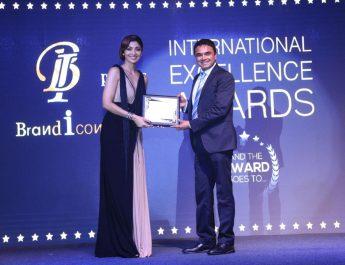 Pankaj Singh - NIMS University - Felicitated with International Excellence Award 2017 by Shilpa Shetty