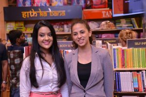 17-year-old Sanya Runwal launched her first book - Ten dollar bride - in the presence of Smt Amruta Fadnavis 1