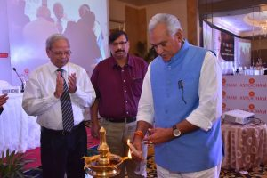 Left - Dr B K Rao - Right - C R Chaudhary - ASSOCHAM COSMe India 2017 - Personal Care Products
