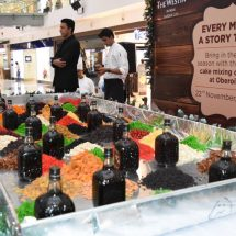 Oberoi Mall hosts grand cake mixing ceremony with City's renowned chefs and mall patrons