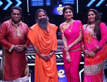 Baba Ramdev Poses with Anurag Basu - Shilpa Shetty Kundra - Geeta Kapur on Super Dancer Chapter 2