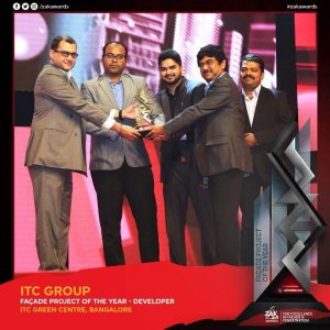 ITCs Central Projects Organisation team receiving the Zak Awards 2017 for ITC Green Centre - Bengaluru