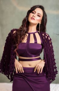 Actress Sana Khan in Golden Knukles by Motiwala and Sons 2