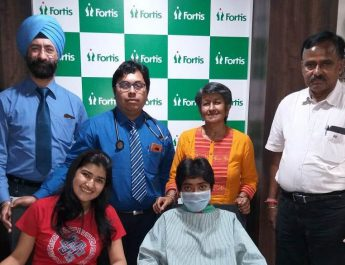 Co-worker donates kidney to save Patient suffering from Chronic Kidney Disease at Fortis Hospital 3