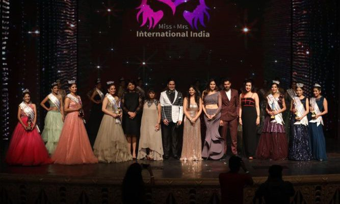 Miss and Mrs International 2019 - Ms Sonnalli Seygall Actress - Aman Yatan Varma and Team