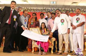 P V Sindhu Honoured with Visishta Puraskaram by Dr Ramineni Foundation - Dayakar Rao and Kanna Lakshminarayana Suchitra