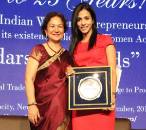 Upma Kapoor receives the Priyadarshini Award for Outstanding Woman Entrepreneur 2019