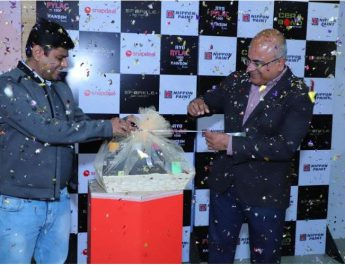 Nippon Paint India and Snapdeal unveiling the - Aerosol Pylac 1000 Rainbow Series