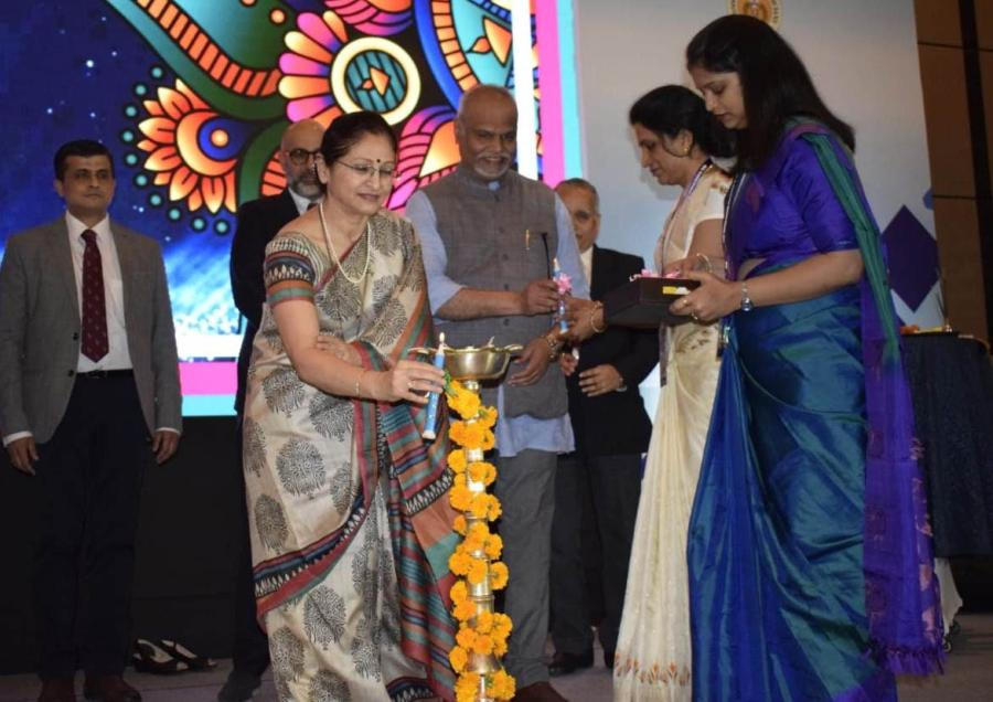 4th International Diabetes Summit 2020 inaugurated and Lamp Lighting Ceremony by Lieutenant General Dr Madhuri Kanitkar