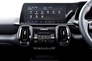 Largest and best-in-segmentHD touchscreen with navigation and live traffic information