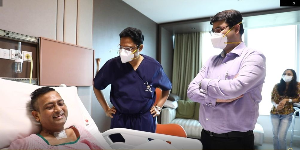 Dr Sanket Kumar Mehta with doctors of MGM Healthcare Chennai